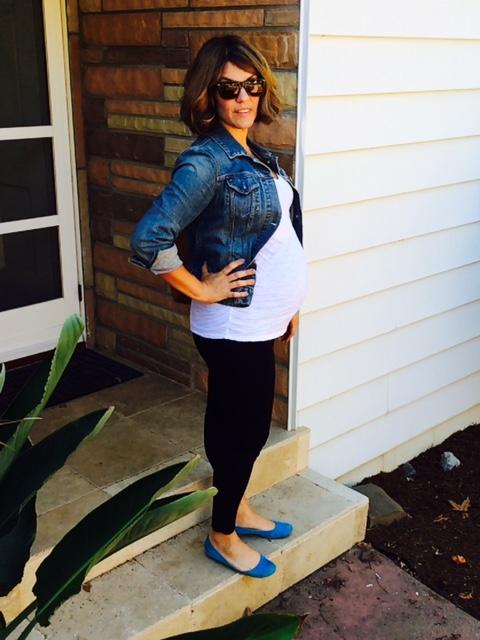 LOFT maternity leggings * old navy maternity white vneck * blue suede shoes